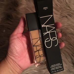 NARS natural radiant longwear foundation 💁🏻‍♀️